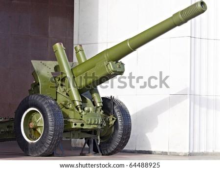 ســــــــــــــلاح المدفـــــــعية وحرب المـــــــــــدن  Stock-photo-russian-cannon-of-world-war-ii-64488925