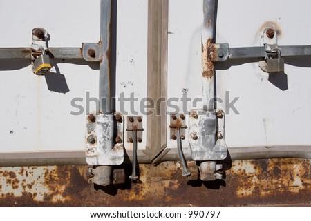 rusty truck latch