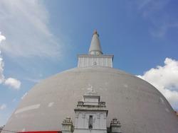 Ruwanweli maha seya in Sri Lanka