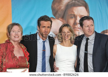 Ryan Reynolds  Movies on Photo   Ryan Reynolds   Family At The World Premiere Of His New Movie
