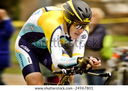 SACRAMENTO, CA - February 14, 2009: Lance Armstrong's debut return to cycling at the Amgen Tour of California time trials in Sacramento on Feb. 14, 2009.