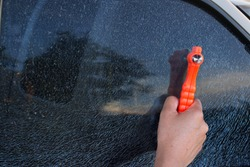 Safety Hammer  in Cars and Glass breakage, broken window and burglary.