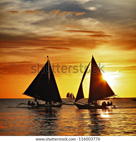 Sailing to the sunset - Boracay island
