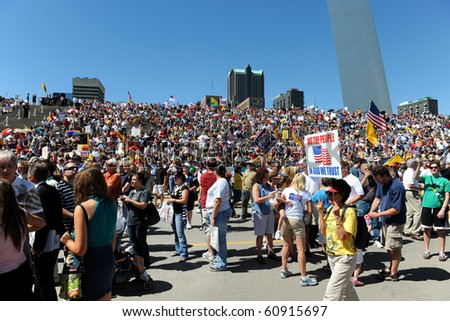 SAINT LOUIS, MISSOURI - SEPTEMBER 12: Rally of the Tea Party Patriots in Downtown Saint Louis under the Arch, on September 12, 2010