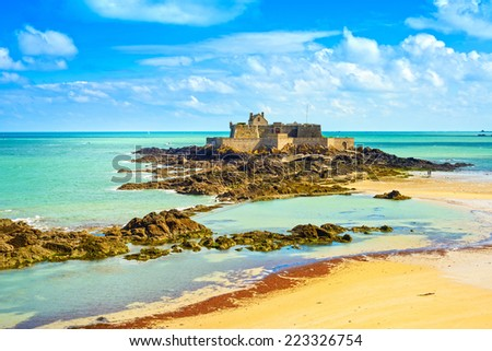 Saint Malo beach, Fort National and rocks during Low Tide. Brittany, France, Europe.