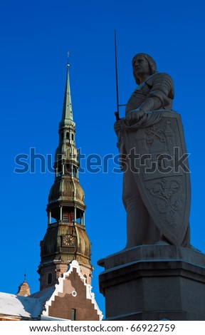 Saint Peter's  church and sculpture of Roland in Old Riga
