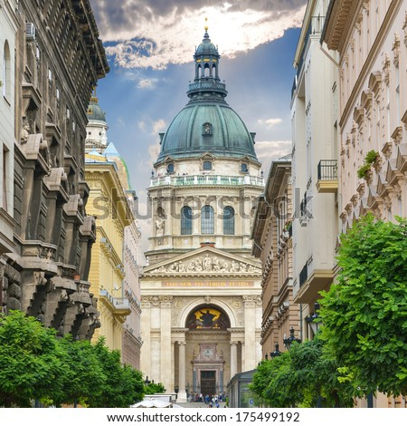 Saint Stephen`s Basilica. Zrinyi Utca street in Budapest. Hungary. Stock fotó ©
