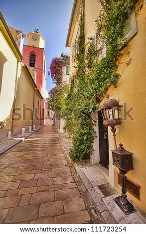Saint Tropez narrow street