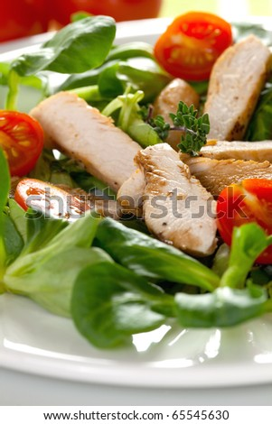 salad with chicken and balsamic