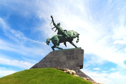 salavat yulaev in ufa - biggest horse monument in russia