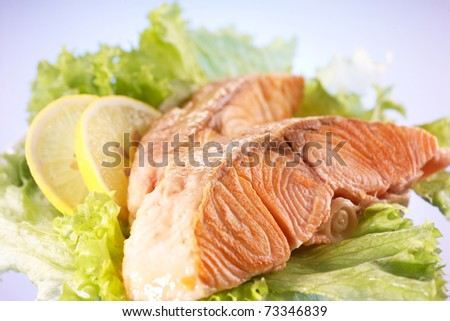 Salmon fillet with lemons