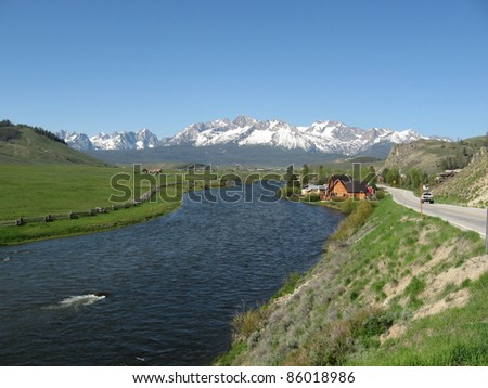 Salmon River and Sawtooth Mountains in Stanley, Idaho
