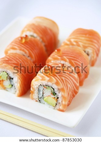salmon sushi rolls