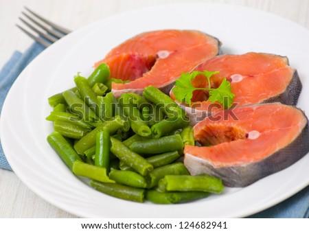 salmon with green bean