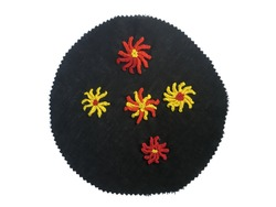 Sample single cast-on flower stitches of Brazilian hand embroidery, principles of hand embroidery with caston flower, local native embroidery design with french knot, Brazilian embroidery, art craft