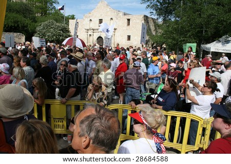 SAN ANTONIO, TX - APRIL 15 : Crowds at tea party protest April 15, 2009 in San Antonio. The protest is a modern-day protest to the government's spending of billions of dollars.