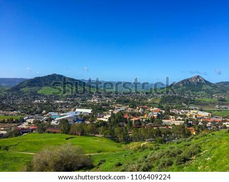 San Luis Obispo city from Cerro San Luis Peak in spring season, CA Foto stock ©