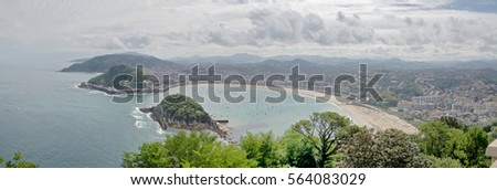 San Sebastian,  view of the bay of La -Koncha and the island of Santa Clara from Mount Igeldo Zdjęcia stock ©