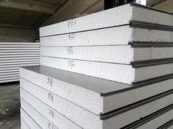 Sandwich panels with styrofoam (EPS) on the warehouse, SIP