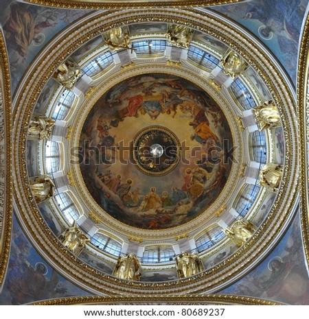Sankt Petersburg sightseeing: Isaac cathedral interior