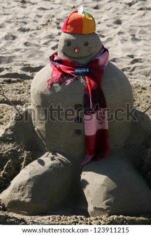 SANTA MONICA, CA - DECEMBER 02: Sand Snowmen at Kohl's Holiday Sandman Building Competition on December 02, 2006 at Santa Monica Beach, Santa Monica, CA.