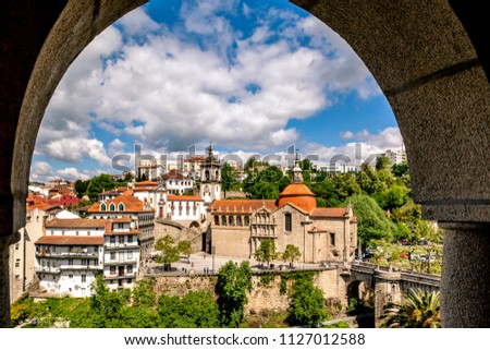Sao Goncalo Church in Amarante in Portugal. Stockfoto ©