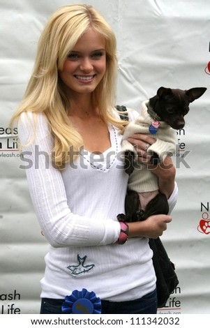 "Sara Paxton at the 6th Annual ""Nuts For Mutts"" Dog Show and Pet Fair. Pierce College, Woodland Hills, CA. 04-22-07"