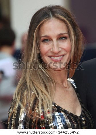 Sarah Jessica Parker arriving for the Charlie And The Chocolate Factory Press Night, at Theatre Royal, London. 25/06/2013