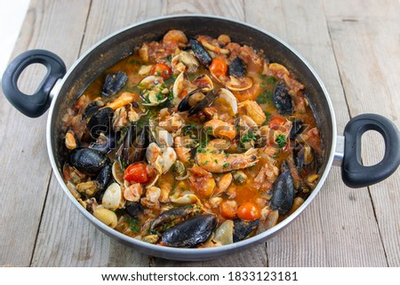 sauce with molluscs and sea crustaceans for spaghetti or pasta italy Photo stock ©