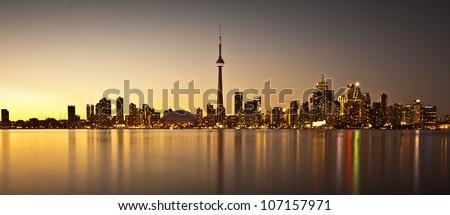 Scene of Toronto skyline from Central Island