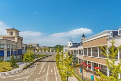 Scenery of the beautiful shopping street