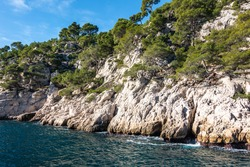 Scenic limestone cliffs overlooking the Mediterranean Sea at the Parc national des Calanques, France