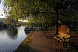 Scenic pathwalk along Thames River view, Henley-on-Thames, Oxfordshire, England