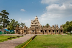 Scenic view of ancient Hindu Kailasanathar Temple in south India.