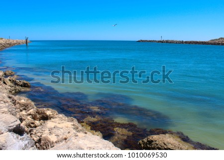 Scenic views of Dawesville Channel or Cut #1010069530