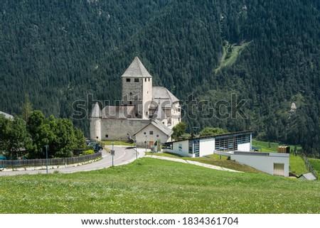 Schloss Thurn, landmark of Ladinia, Museum Ladin with modern additions, St. Martin in Thurn, San Martino in Badia, Alta Badia, Dolomites, Alps, South Tyrol Province of Trentino-Alto Adige, Italy Stok fotoğraf ©