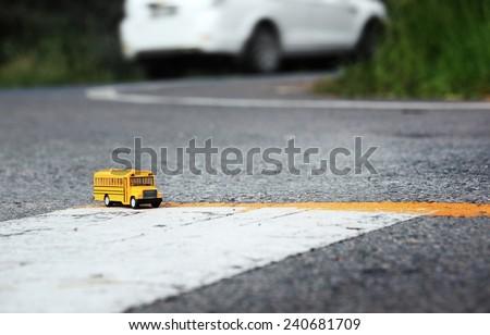 school bus toy model