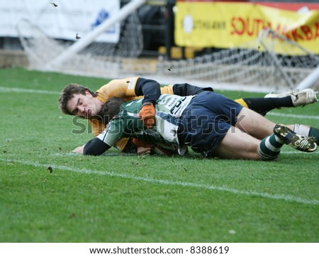 scoring a try in rugby union