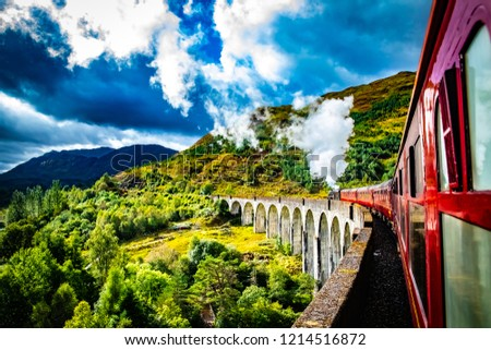 Scotland, Glenfinnan Railway Viaduct in Scotland with the Jacobite Photo stock ©