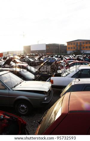 scrap yard for car recycling
