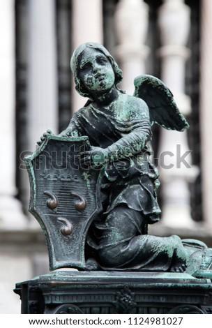 Sculpture of an angel near Colleoni Chapel, Bergamo, Italy Foto d'archivio ©