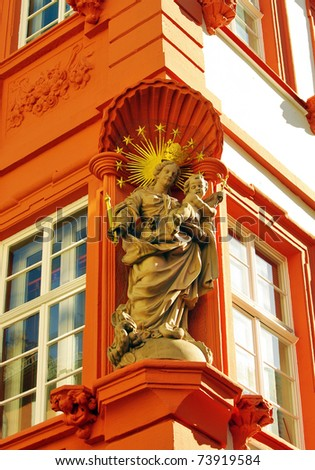 Sculpture of Madonna with Child, Heidelberg, Hauptstrasse