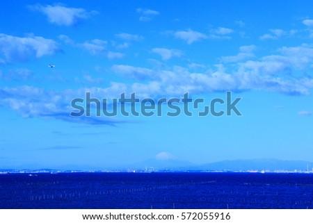 Sea and the sky #572055916