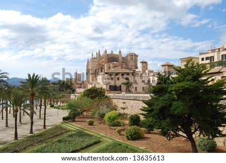 Sea parc in Palma de Majorca and view to the Cathedral