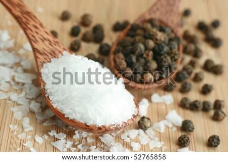 Sea salt and black peppers balls