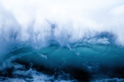 Sea wave on clearance. Wave collapses: unfilled porosity, see structure of crest fix picture: structural zones and breakdown. Physics-energy collapsing. Analogical wave impossible - concept of end