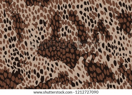 Seamless pattern with natural leopard print