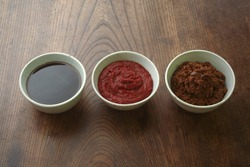 Seasoned soybean paste, red pepper paste, and soy sauce, which are the most basic of Korean food.