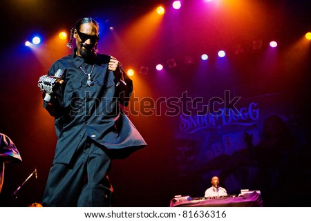 SEATTLE - JULY 14:  Rapper Snoop Dogg performs a concert on stage at the Paramount Theater July 14, 2010 in Seattle, Washington.