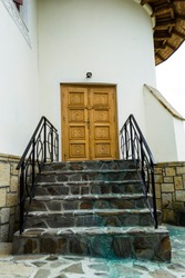 Secondary door of the Orthodox monastery of Varatec nuns.